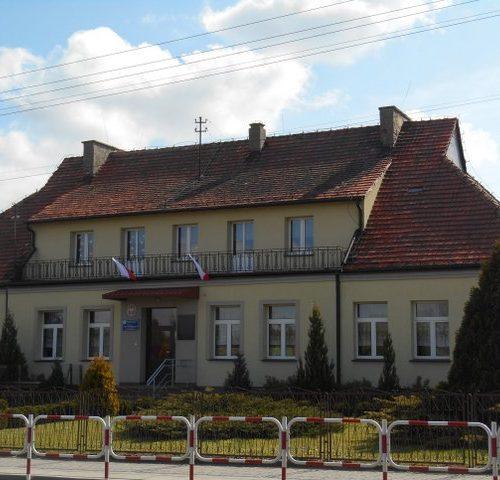 Zdjęcie budynku szkoły podstawowej Kadłub