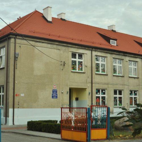 Zdjęcie budynku szkoły w Modzerowo