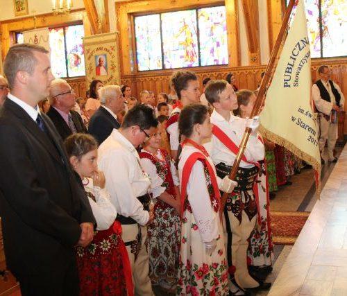 Uroczystość nadania imienia szkole w Starym Bystrem